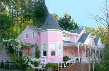 Photo for The Pink Mansion in Calistoga, California