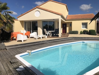 tarifs reservation hotels Oasis parcs - Jardins des Sables d'Olonne