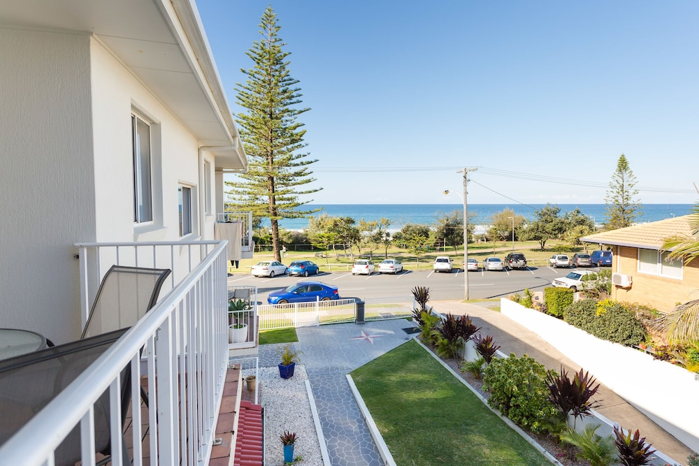 Burleigh Point Holiday Apartments