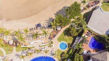Vallarta Gardens Beach Front Hotel & Residences