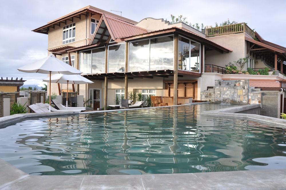 Aanari Hotel and Spa