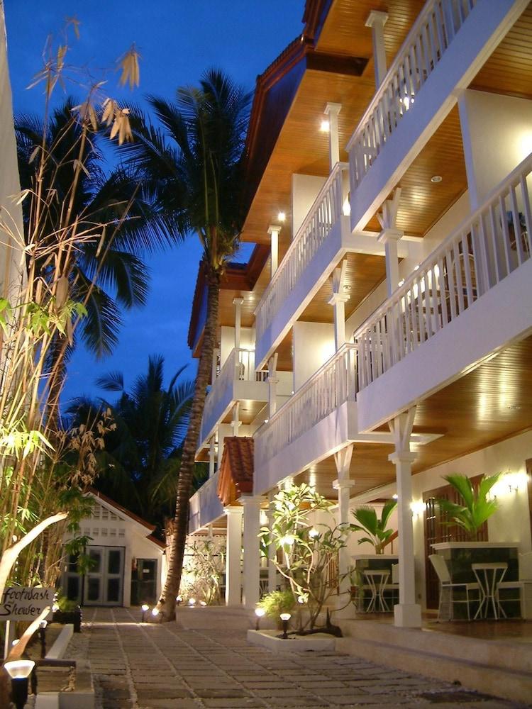 Hey! Jude Resort Hotel