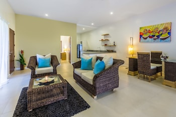 Atmosphere Resorts & Spa Dumaguete Living Area