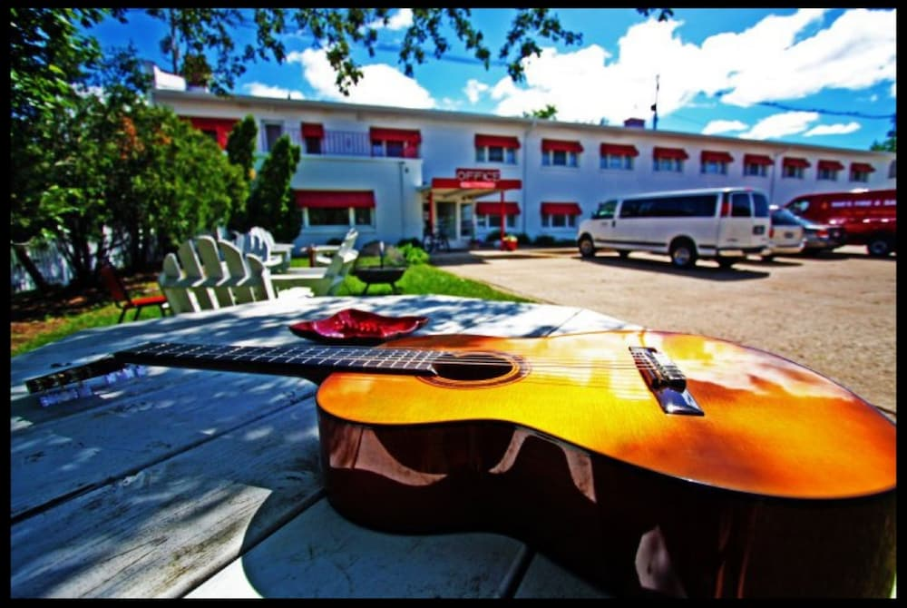 Holiday Music Motel