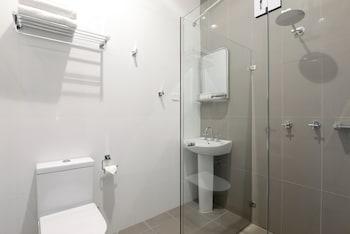 High Cross Park Lodge - Bathroom  - #0