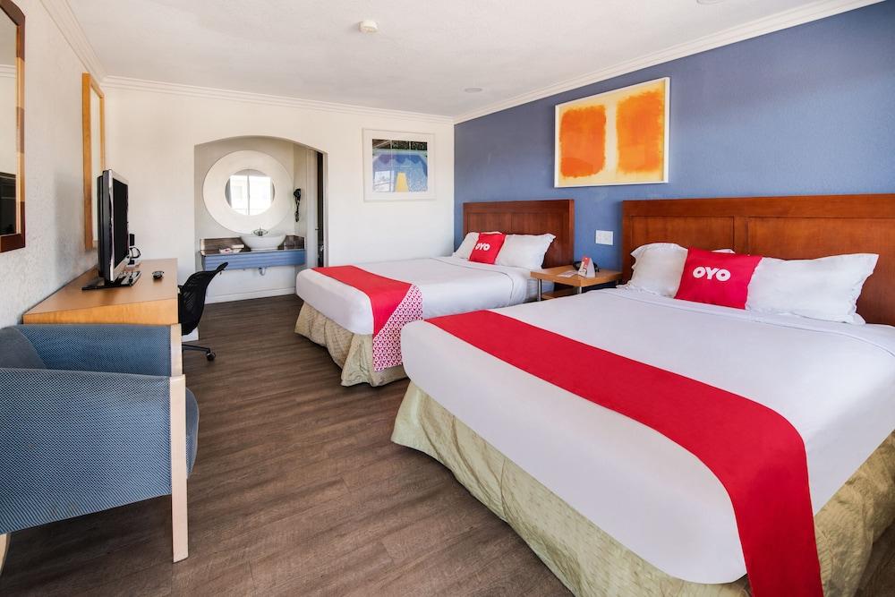 Hotel Ridgecrest CA South China Lake