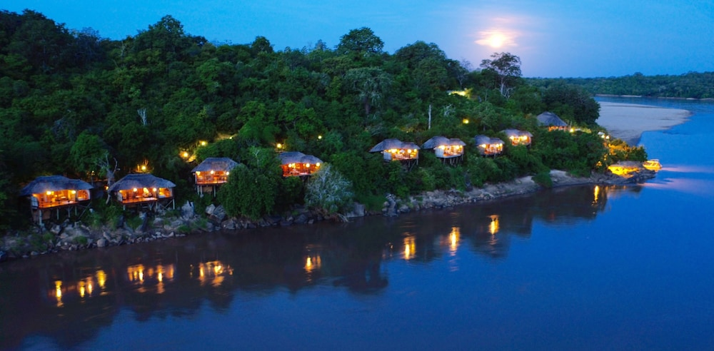 Serena Mivumo River Lodge