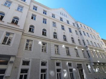 Kaiser Apartments