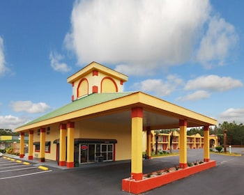 Econo Lodge Perry in Perry, Florida