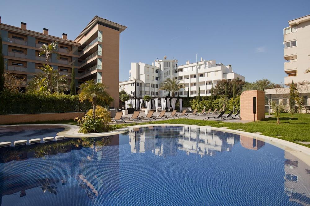 Boulevard Apartamentos by Mimar + Entradas a Terra Mítica