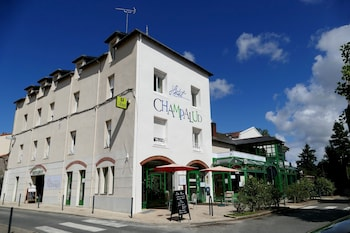 tarifs reservation hotels Le Champalud