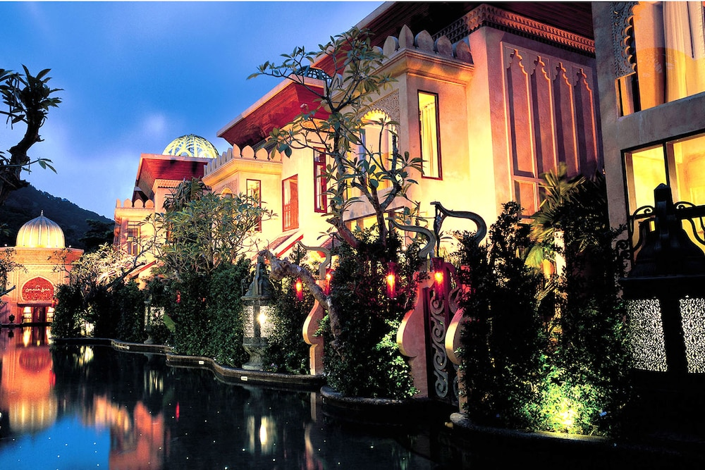 The Baray Villa by Sawasdee Village