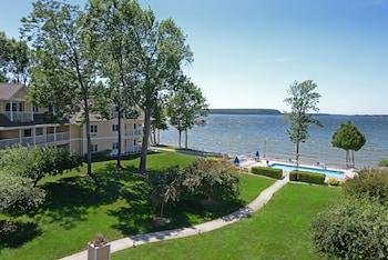 Westwood Shores Waterfront Resort in Sturgeon Bay, Wisconsin