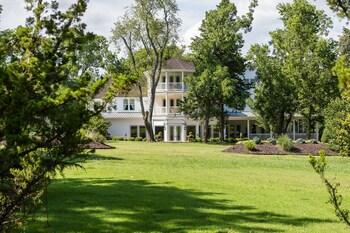 Pratt Place Inn and Barn in Fayetteville, Arkansas