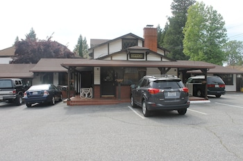 Coach N Four Motel in Grass Valley, California