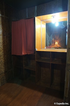 Frendz Resort Boracay Guestroom