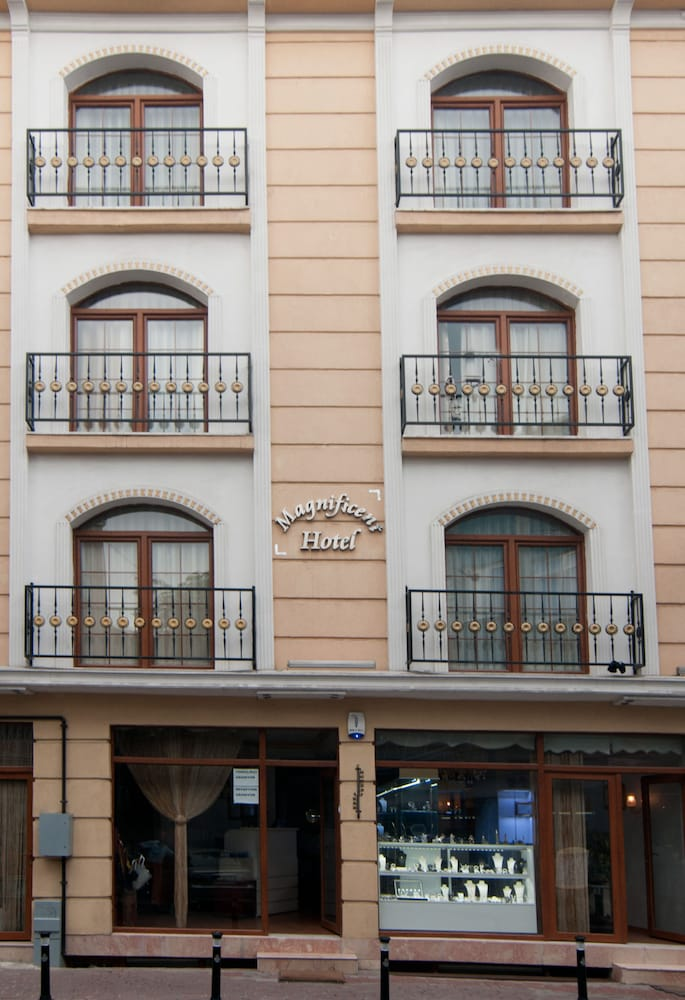 Magnificent Hotel