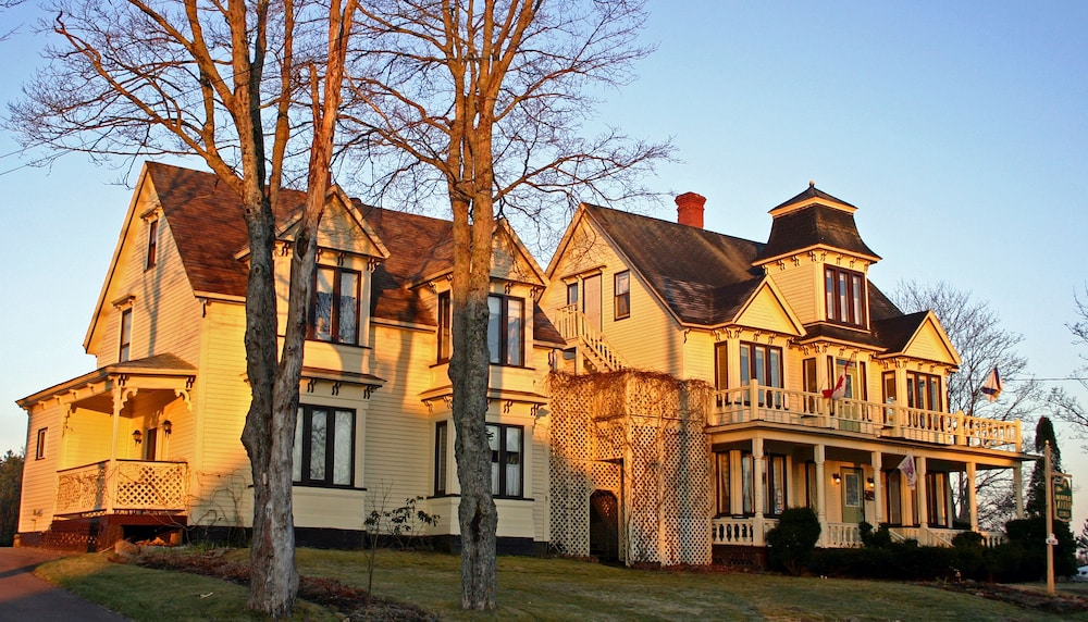 The Maple Inn Bed and Breakfast