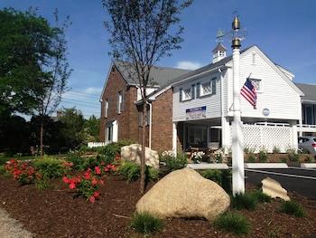 Craigville Beach Inn in Centerville, Massachusetts