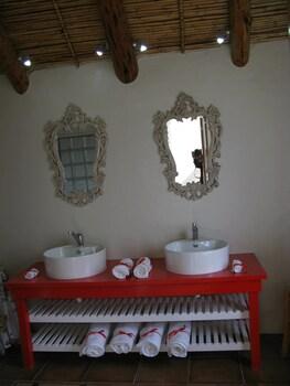 7 Church Street Guest House - Bathroom  - #0