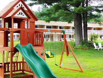 Covered Bridge River View Lodge - Childrens Play Area - Outdoor  - #0