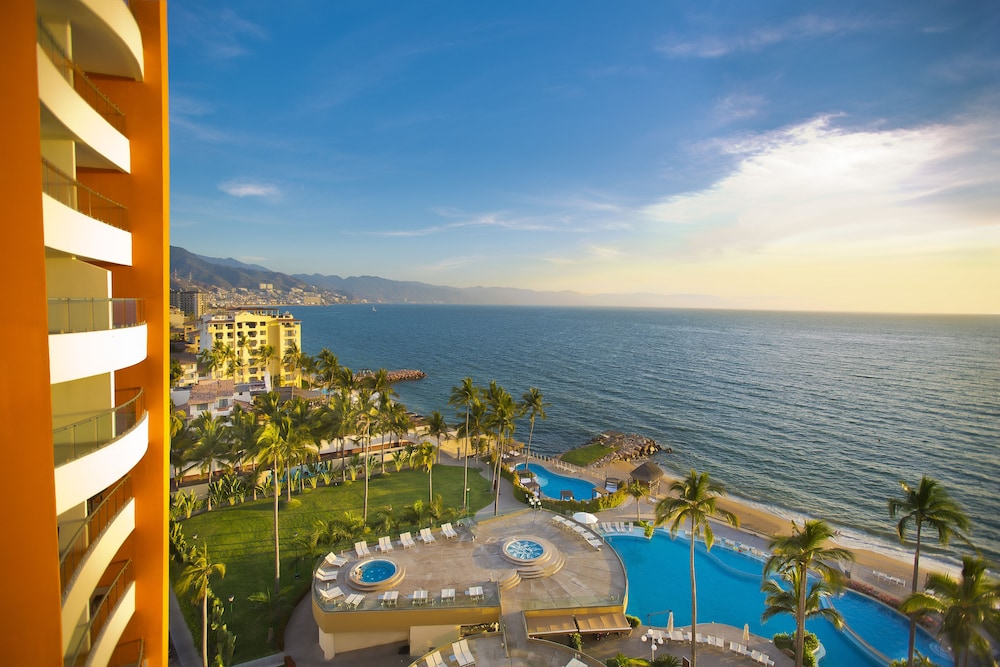 Sunset Plaza Beach Resort & Spa Pto Vallarta All Inclusive