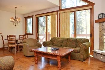 Saddlewood by Ski Village Resorts - Living Area  - #0