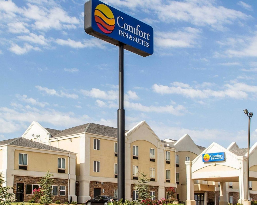 Comfort Inn & Suites Perry I-35