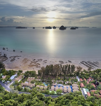 タプ ケーク サンセット ビーチ リゾート