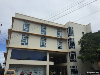 Cleverlearn Residences Cebu Hotel Front