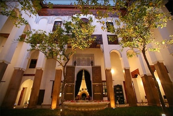 Riad Laaroussa- Hotel & Spa
