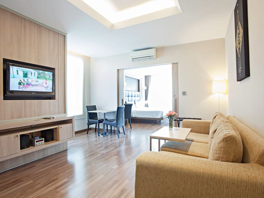 V Residence Serviced Apartment