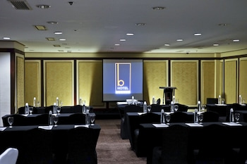The B Hotel Manila Meeting Facility