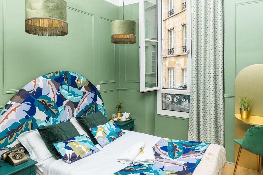 Hotel Paris Saint Honoré