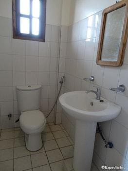 Hof Gorei Beach Resort Samal Bathroom