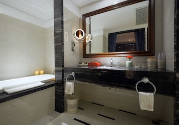 La Belle Vie Hotel Hanoi - Bathroom  - #0