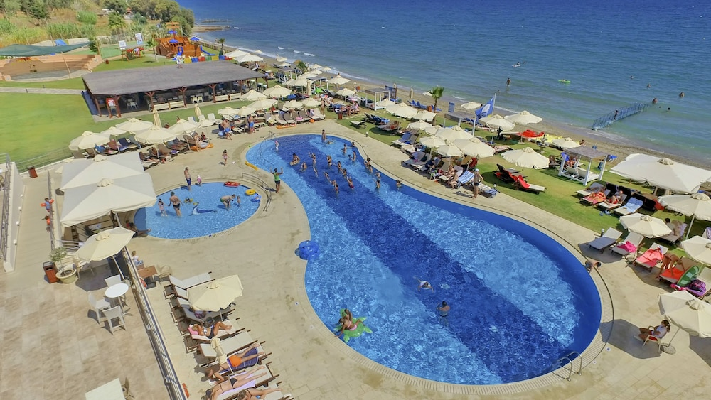 Kiani Beach Resort Family - All Inclusive
