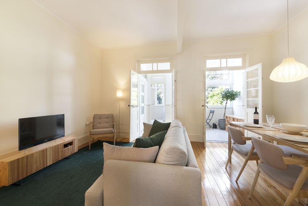 Tripas-Coração, Breiner Apartments