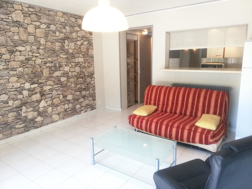 Apartment With one Bedroom in Roquefort-les-pins, With Pool Access, Te