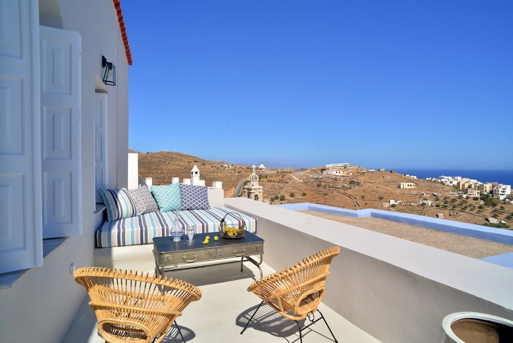 Apartment With 3 Bedrooms in Ano Syros, With Wonderful sea View, Terra