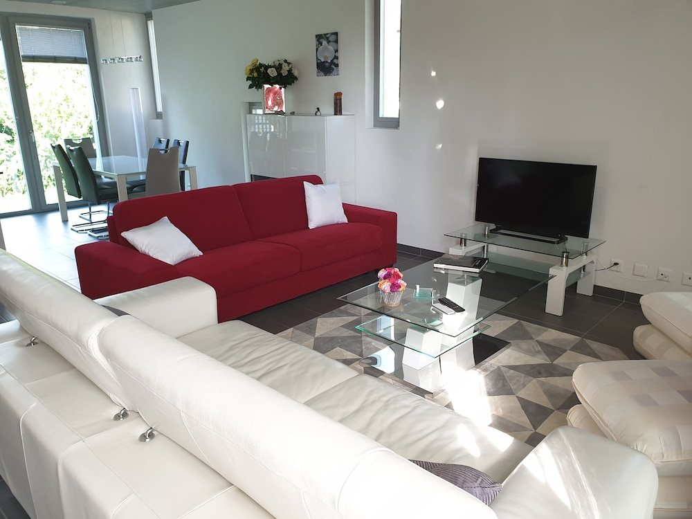 Vevey Elite 3 Bedroom Apartment