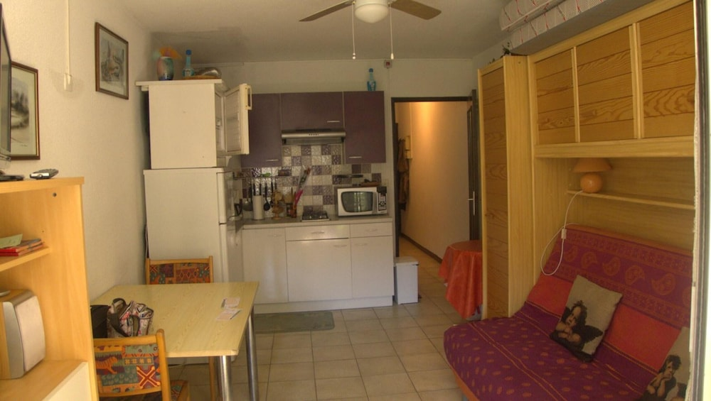 Apartment With one Bedroom in Agde, With Furnished Terrace - 1 km From