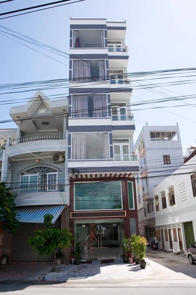 Trang Long Hotel