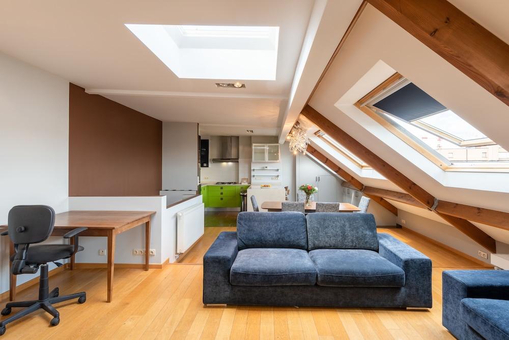 Europea Laeken Duplex Residence
