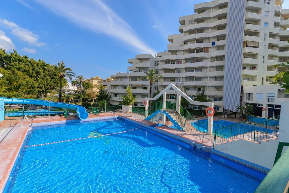 Benal Beach 2 - 2BR Apartment, First Line Beach , Water Park Resort