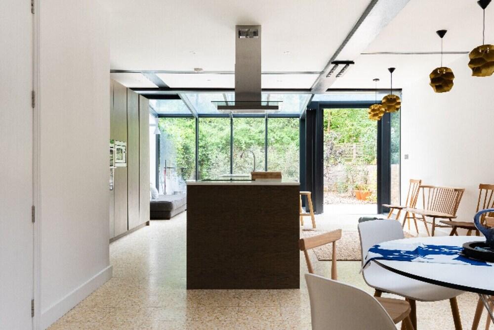 The Oxford Gardens - Modern & Spacious 4bdr House With Garden