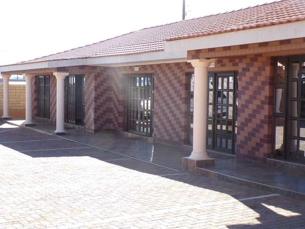 Joy Guesthouse Mabote