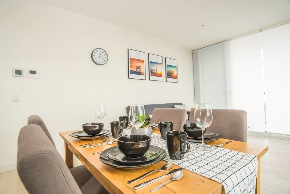 Lovely Two Bed Home In Macquarie Park
