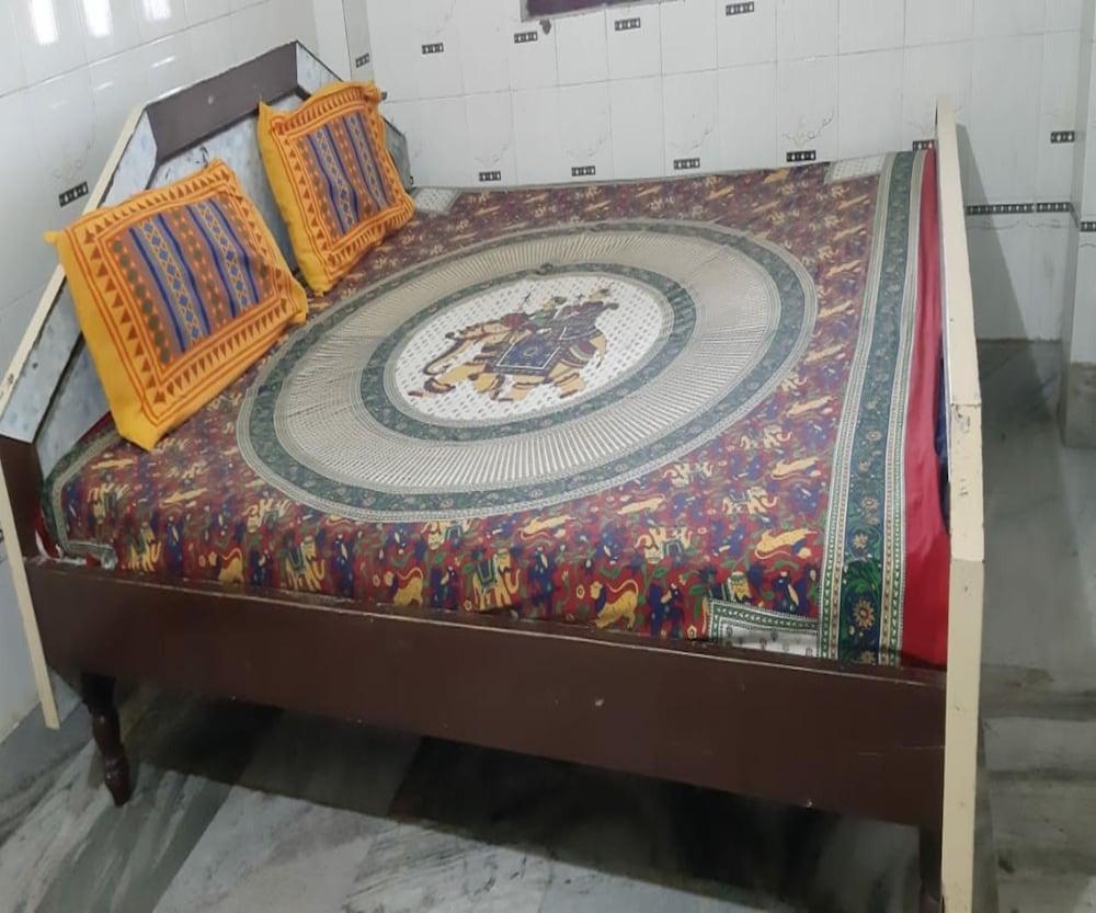 Goroomgo Neelanchal Lodge Puri