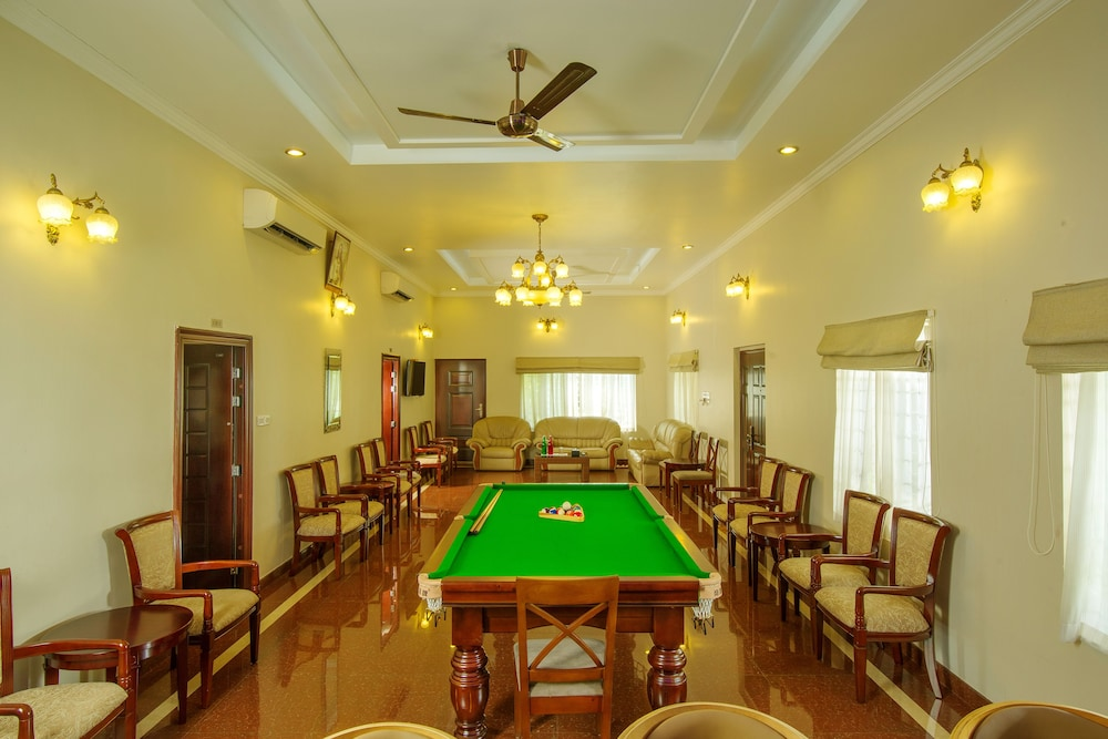 Cyrus Resort by Tolins Hotels & Resorts